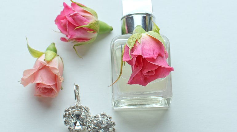 Make an Irresistible Scent for your Valentine