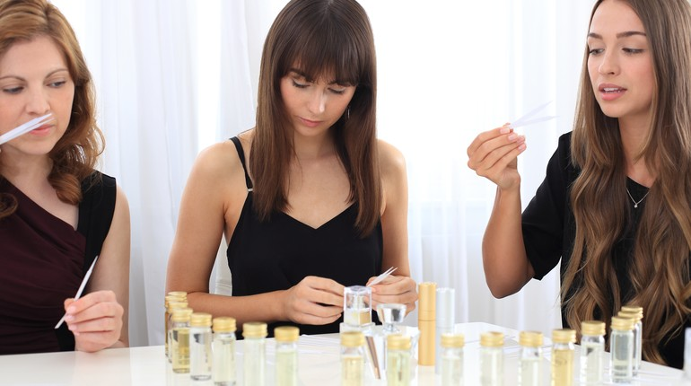 Design & Create Your Own Gorgeous Perfume