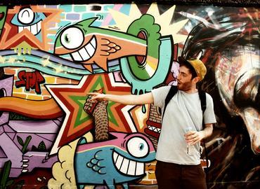 Street Art Tour & Spray Painting Session