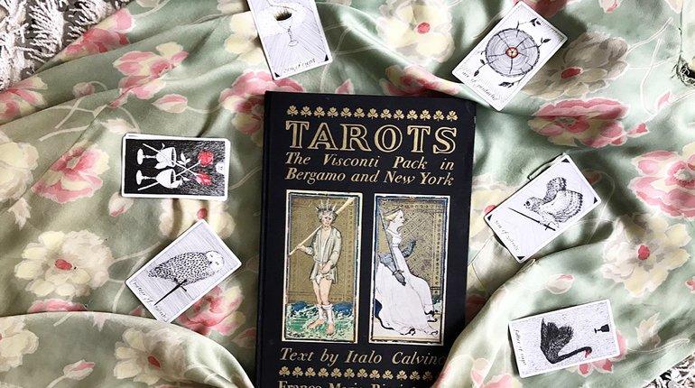 The Enchanting Tarot Club