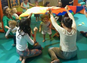 חוויה בתנועה להורים וילדים