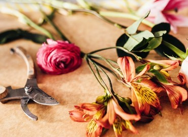 Learn How to Create the Perfect Bouquet of Flowers