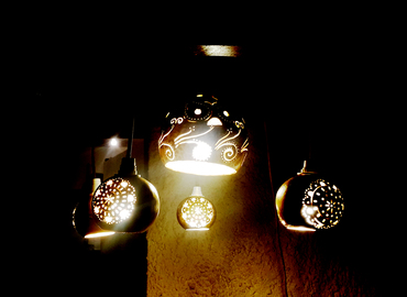 סדנת יצירה בדלועים - גופי תאורה מדלועים