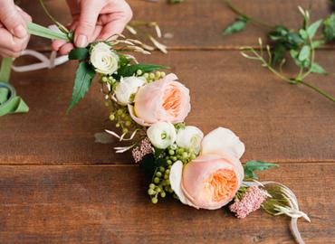 סדנת שזירת פרחים - הכנת זר לראש