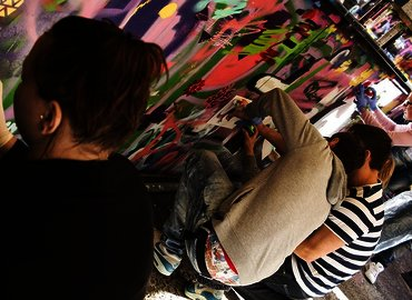 Street Art Tour & Spray Painting Workshop in London
