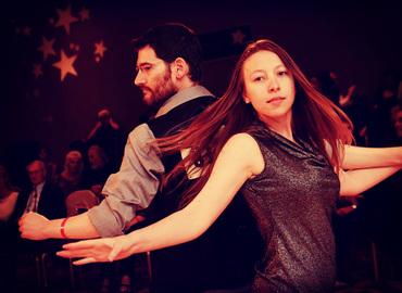 בואו להשתחרר וללמוד לרקוד סווינג בשיעור ומסיבה