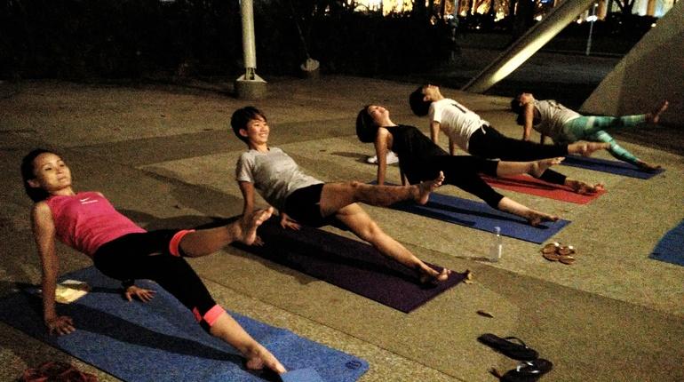 Outdoor Pilates - Hong Lim Park