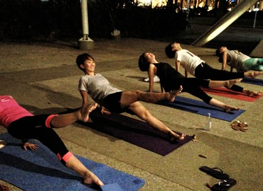 Outdoor Pilates - Hong Lim Park