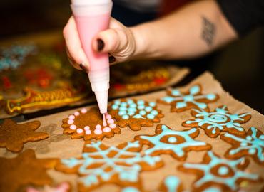 מלכת העוגיות - הכנת עוגיות רויאל אייסינג מרהיבות