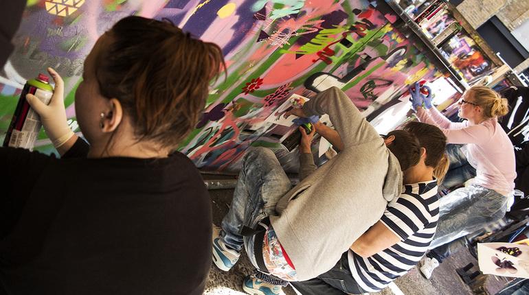 Street Art Tour & Spray Painting Workshop