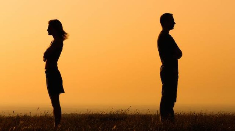 SG Bar Talks | Are our relationships doomed?