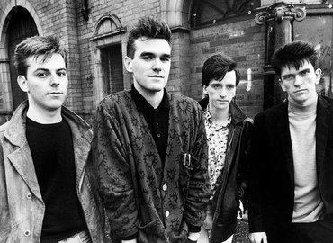 יפה בשחור: רוק אנגלי, שנות השמונים