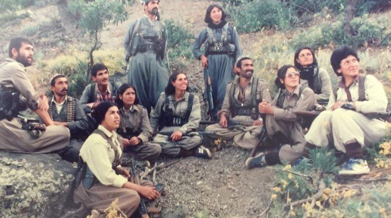 Funzing Talks |Revolution in Iran: Girl With a Gun
