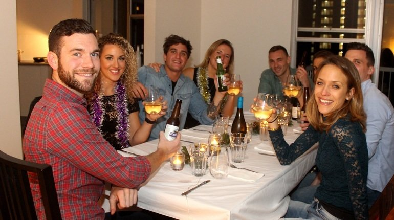 Wonderful Dinner Parties For Singles Part - 5: Join A Roaming Dinner Party Singles Event