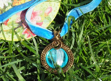 Make a Luxurious Vintage Pendant