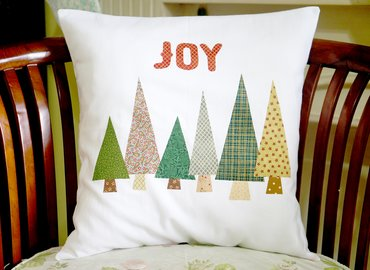 Make Your Own Christmas Applique Pillow