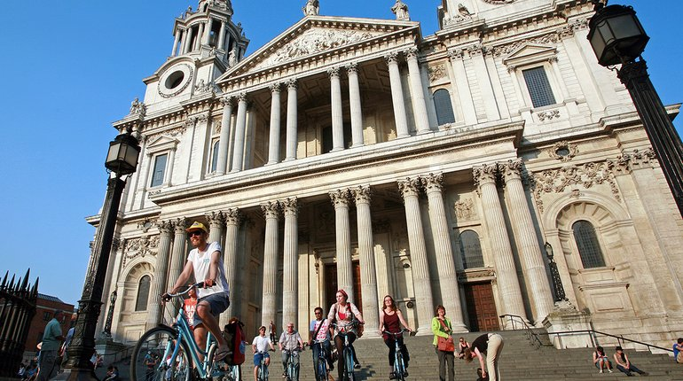 Discover London's Old Town by Bike