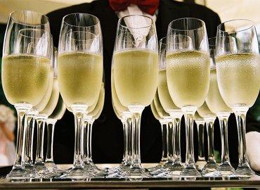Champagne vs Sparkling Wine Tasting