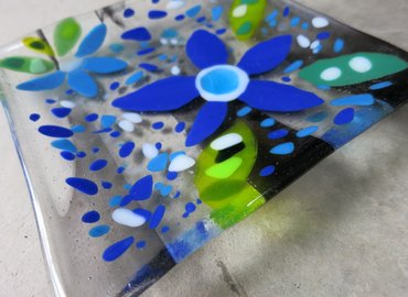 Make a Blossoms on Glass Fused Glass Plate